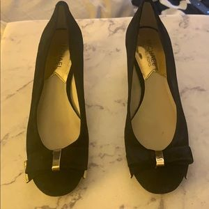 Michael Kors Black/Gold Heels Size 6.5